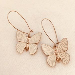 Jewelry - EARRINGS 💎 CREAM AND GOLD BUTTERFLY DROP
